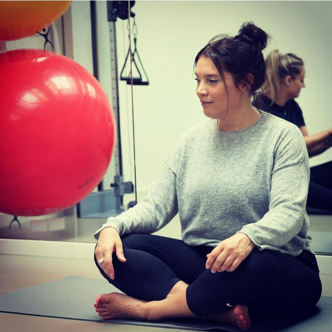 Op zoek naar rust In de hoop om via een short-cut zich snel beter te voelen, doen steeds meer mensen aan Yoga, mindfulness of meditatie.